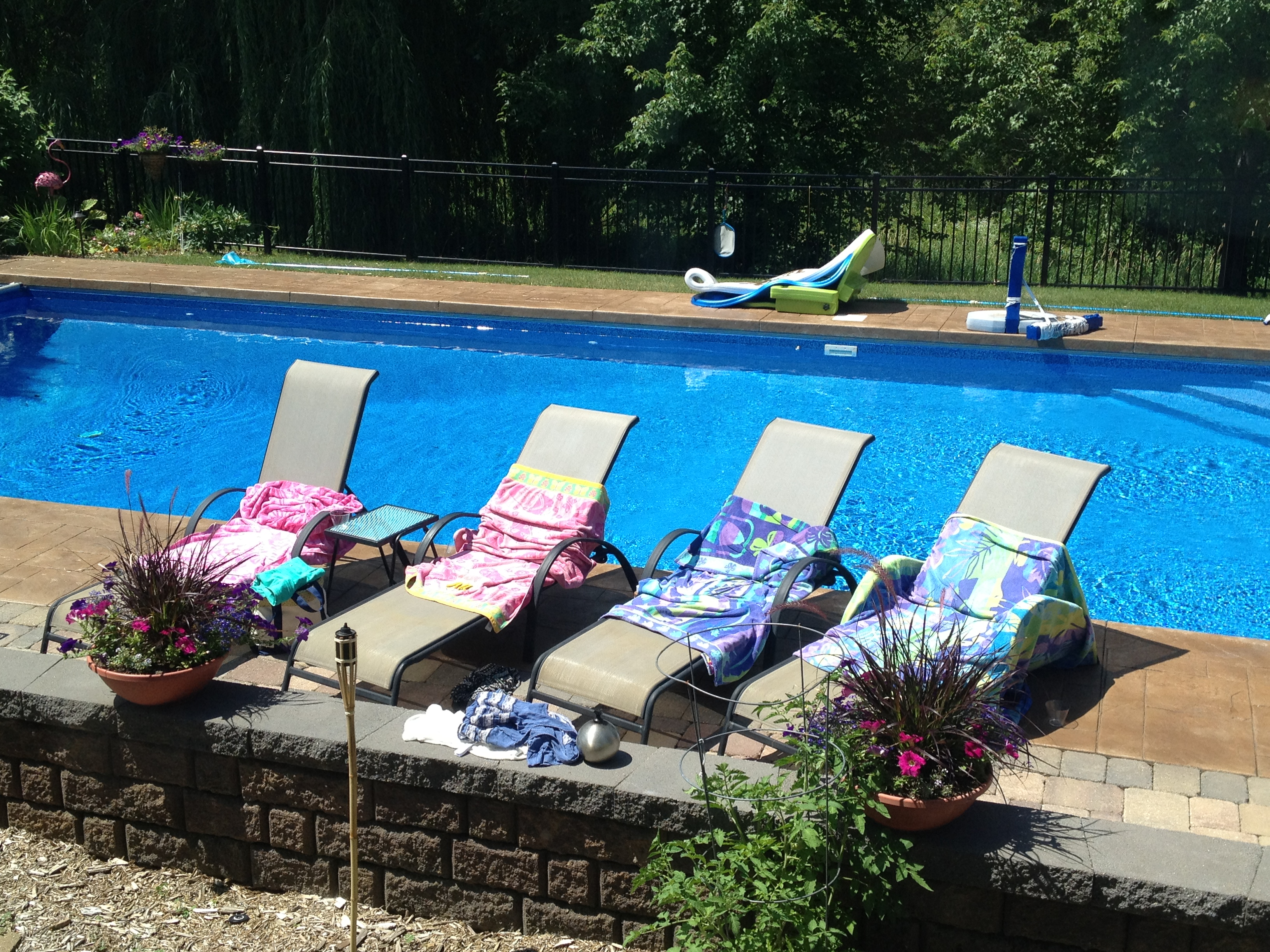 pool party rockinthemomrole